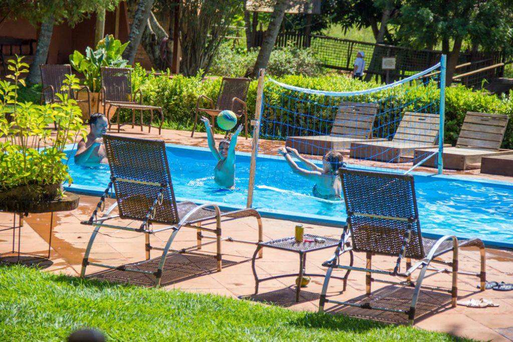 Piscina de Biribol Hotel Fazenda Foz do Marinheiro no interior de SP