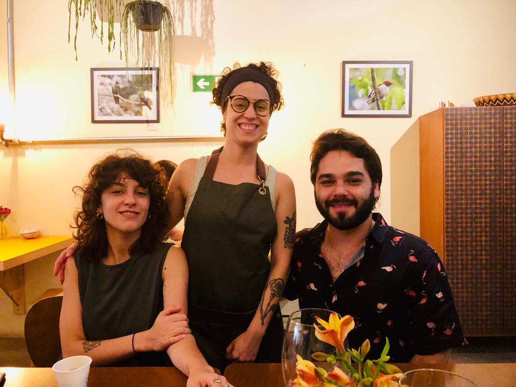 Rafaela e Thomaz Foz com a Chef Madu